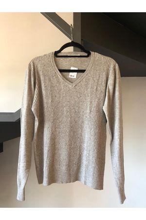 tricot-gola-v-cinza