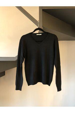 tricot-gola-v-preto
